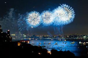 800px-370_rsd_fireworks_blue